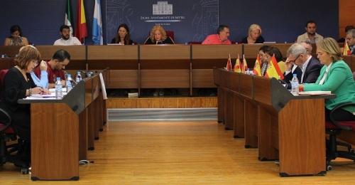 El Pleno aprueba la reposición de plazas vacantes de Policía Local y Bomberos