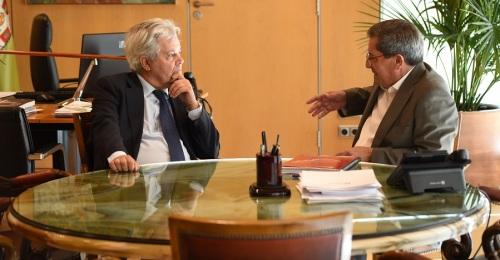 El presidente de la Diputación recibe al presidente de la Fundación Caja Granada
