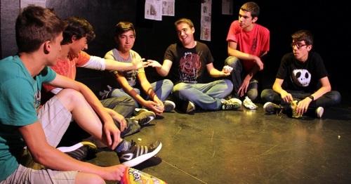 Teatro y escritura para concienciar a los jóvenes en materia de igualdad