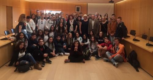 Alumnos polacos de un programa de intercambio conocen Órgiva