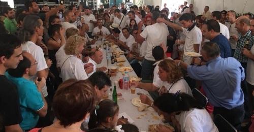 Órgiva afianza su gentilicio de hueveros con su I Concurso Internacional de Comedores de Huevos Fritos