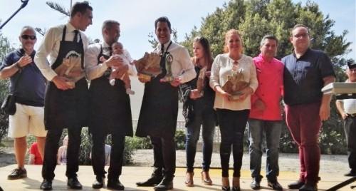 El murciano Abraham Cambrés gana el VII Concurso de Cortadores de jamón de Salobreña (2)