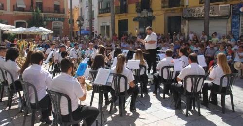 La Banda de Música de Almuñécar inició la temporada con un gran concierto
