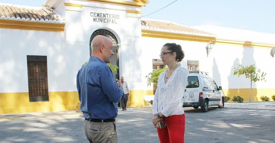 La concejalía de Mantenimiento, Parques y Jardines acondiciona el Cementerio Municipal para Todos los Santos