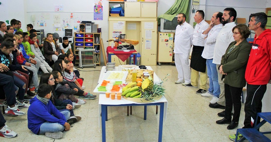 Actividad taller de cocina saludable para escolares