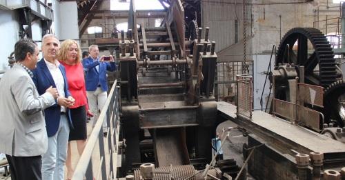 El consejero de Cultura se interesa por el proyecto de rehabilitación de la Fábrica del Pilar