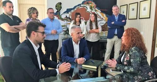 El consejero de Cultura se reúne con la alcaldesa de Salobreña