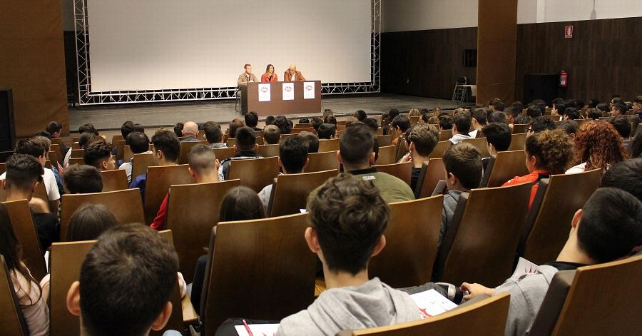 La primera edición de la Escuela de Juventud reúne a 200 jóvenes en el CDT