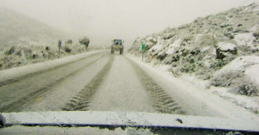 Carretera bajo la nieve (2)