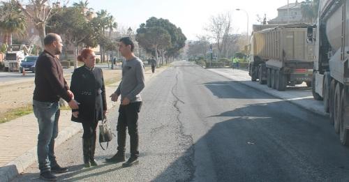 Dan comienzo la obras de asfaltado del vial Playa de Salobreña