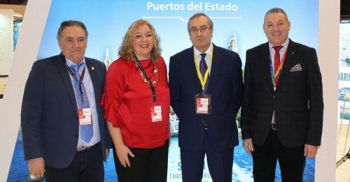 Flor Almón, Antonio Escámez y Francisco Álvarez de la Chica junto al presidente de Puertos del Estado