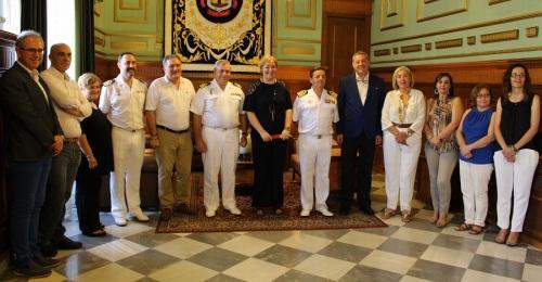 Foto de archivo de la visita de una flota de la Armada al Ayuntamiento de Motril