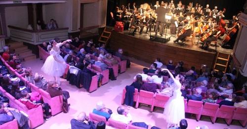 La Joven Orquesta del Sur de España pone en pie al Teatro Calderón para celebrar la entrada del año 2018