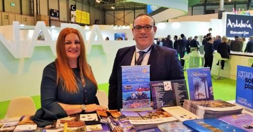Salobreña prioriza en Fitur los contactos con profesionales y empresas turísticas