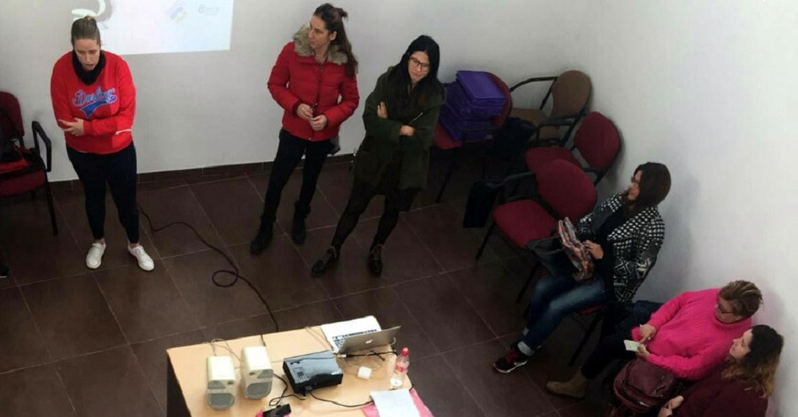 Un taller para mujeres entre 25 y 45 años reflexiona sobre la imagen de la maternidad