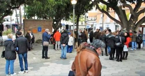 Almuñécar comienzó los actos de conmemoración de 'La Desbandá' con el descubrimiento de una placa