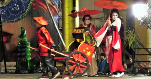 Almuñécar despidió su Carnaval con un gran espectáculo en la plaza del Ayto.