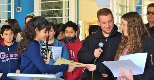 Casi un millar de alumnos de Salobreña se benefician de los cursos impartidos por la asociación juvenil 'Phoenix'