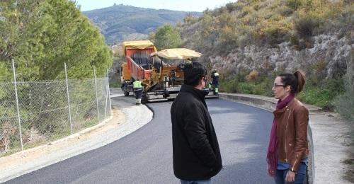 El Ayto. de Motril ultima los trabajos de asfaltado del camino rural entre los pagos de San José y Alcubillas
