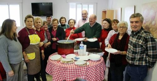 El Día de Andalucía concluye con el encuentro de mayores de los Centros de Día de Puntalón y la calle Ancha