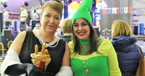 El emotivo y divertido pregón de Araceli Puertas anima el sábado de Carnaval