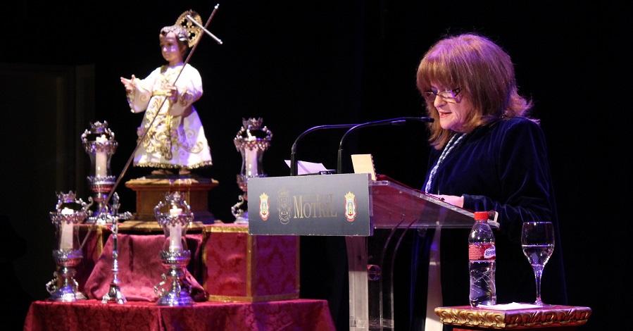 El Pregón Oficial de Mª Jiménez Muriel emociona al público del Teatro Calderón