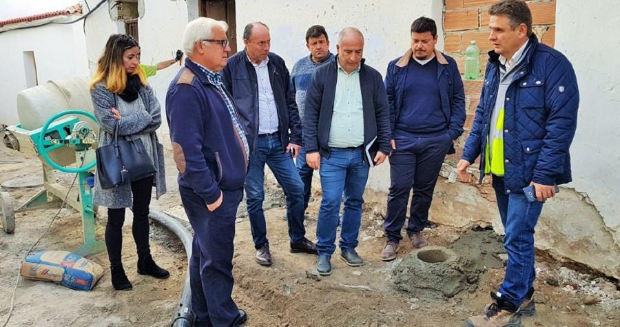 El presidente de la Mancomunidad, Sergio García, visita obras del ente en Otívar