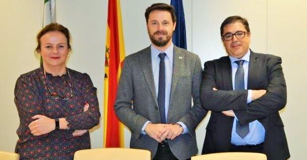 Junta y Endesa abordan los cortes de luz en varios municipios de Granada y las inversiones previstas en la red