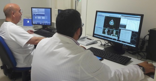 Los hospitales públicos granadinos atienden más de 18.000 consultas de Oncología y Radioterapia al año