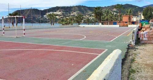 Polideportivo playa de La Herradura