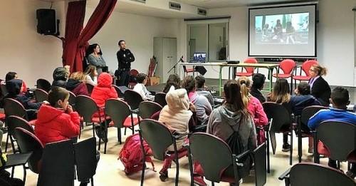 Servicios Sociales de Motril organiza una charla sobre 'Riesgos en Internet'