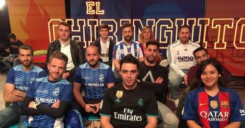 Corredores del Atletismo Sexitano en el Chiringuito de Josep Pedrerol
