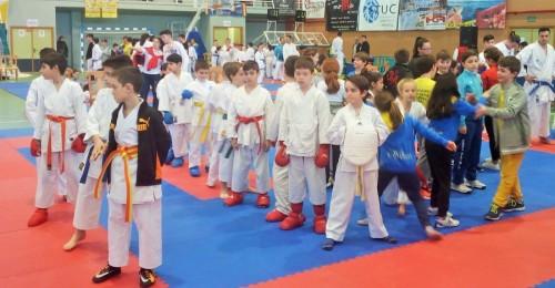 El 'II Trofeo de Kárate_ congrega a más de 200 karatecas en el Pabellón Municipal