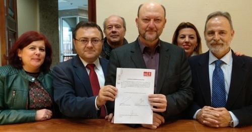 El PSOE-A alerta del plan de la UE que limita la pesca por poner en riesgo el empleo y por la subida de precios
