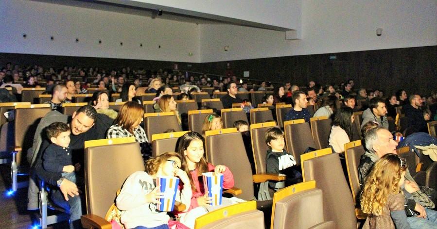 Grandes y pequeños llenan el CDT para disfrutar del mejor cine