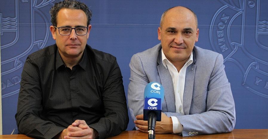 Gregorio Morales (drcha) junto a Juan Carlos Hódar (izrda) en la rueda de prensa