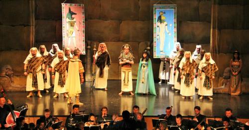 La Casa de la Cultura de Almuñécar se llenó para ver la ópera Aida de Verdi