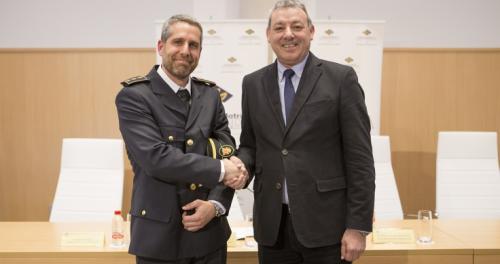 La Policía Portuaria de Motril completa su estructura con la toma de posesión del nuevo responsable del servicio