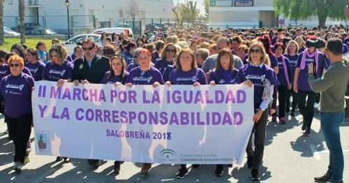 Salobreña se vuelca en la II Marcha por la Igualdad