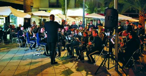 'Sinfonía para los sentidos' en la plaza de las Palmeras de Motril