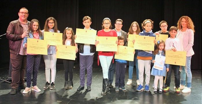 Educación entrega los premios del IV Concurso de Dibujo y Redacción Escolar del Día del Libro.jpg