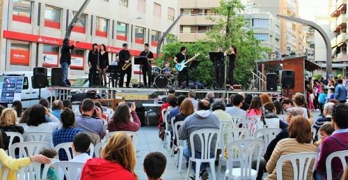 El brillante pregón del poeta motrileño Juan José Cuenca da inicio a la XXXVI edición de la Feria del Libro de Motril