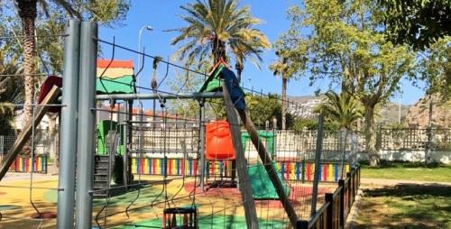 El PP de Salobreña denuncia el vallado de los parques infantiles del municipio desde hace más de un mes