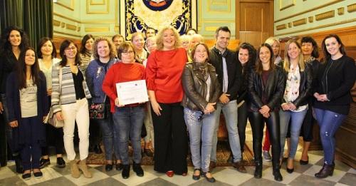 La alcaldesa de Motril recibe a un grupo de profesores provenientes de Finlandia, Grecia, Italia y Málaga