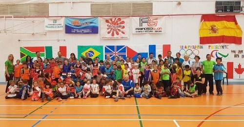 Los alumnos del CPR El Alféizar celebran sus mini-olimpiadas.jpg