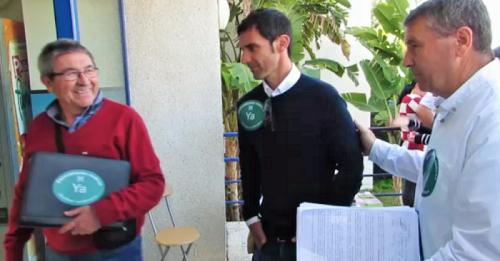 Los andalucistas entregan las 3.000 firmas recogidas demandando las especialidades médicas en Almuñécar