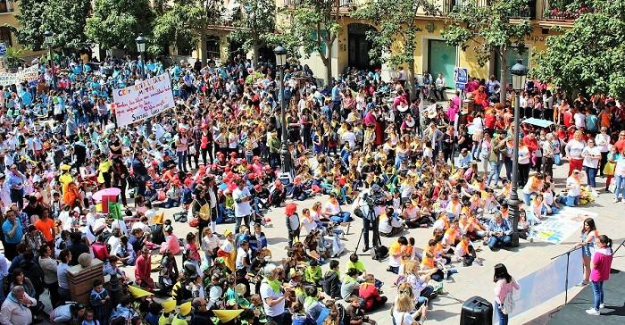 Más de un millar de alumnos de Motril y Comarca toman las calles y los edificios públicos para celebrar el Día del Libro
