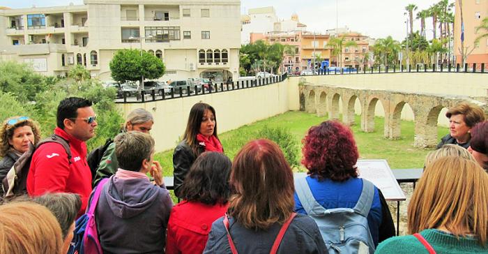 Profesores de Bachiller y Secundaria conocieron el patrimonio arqueológico e histórico de Almuñécar