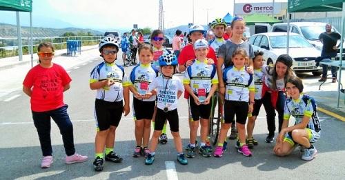 5 medallas en Loja para los corredores de la Escuela de Ciclismo Sexitana.jpg