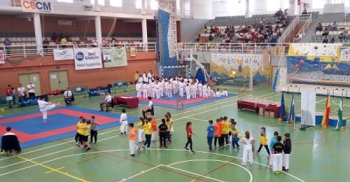 Domingo de katas en el pabellón motrileño con más de 300 participantes en el Trofeo de Primavera.jpg